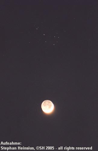Mond bei den Plejaden
